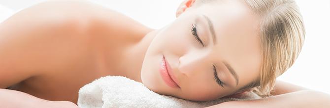 「睡眠時間を確保するだけで肌美人に!?睡眠と美容の関係性とは」サムネイル画像