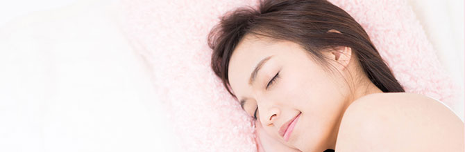 「プラセンタで寝汗を解消できる?プラセンタが睡眠へ与える影響とは」サムネイル画像